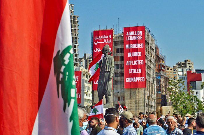 Manifestatins au Liban autour d'une statue