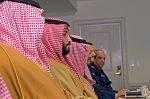 Mohamed ben Salman assi entouré par d'autres dignitaires arabes